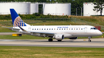 A picture of N204SY - Embraer E175LR - United Airlines - © Airplanephotospr