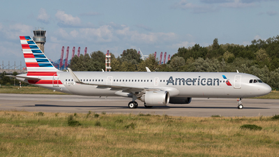 A picture of DAVXQ - Airbus A321 - Airbus - © Boscgnspotter