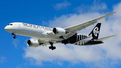 A picture of ZKNZH - Boeing 7879 Dreamliner - Air New Zealand - © Steve Worner