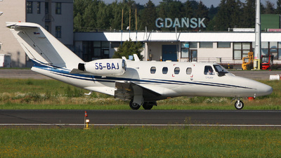S5-BAJ - Cessna 525 CitationJet 1 - Linxair