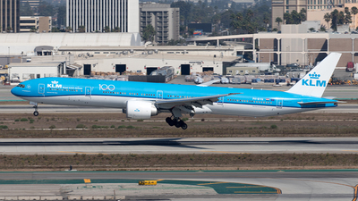 A picture of PHBVN - Boeing 777306(ER) - KLM - © Yixin Chen