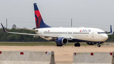 A picture of N3773D - Boeing 737832 - Delta Air Lines - © Centex Spotter