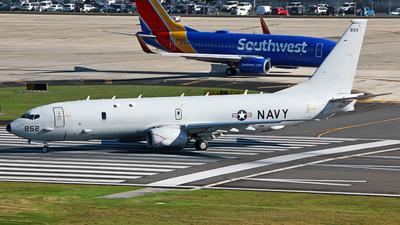 168852 - Boeing P-8A Poseidon - United States - US Navy (USN)