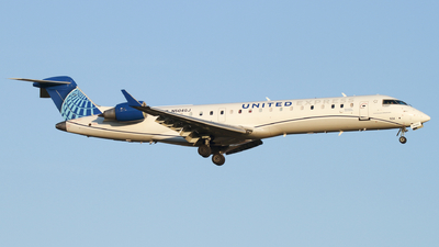 A picture of N504GJ - Mitsubishi CRJ550 - United Airlines - © Connor Cummings