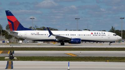 N912DU - Boeing 737-932ER - Delta Air Lines