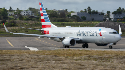 A picture of N337PJ - Boeing 737823 - American Airlines - © Ché Stuart
