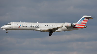 A picture of N504AE - Mitsubishi CRJ701ER - American Airlines - © Chris Popovich
