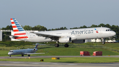 A picture of N568UW - Airbus A321231 - American Airlines - © DJ Reed - OPShots Photo Team
