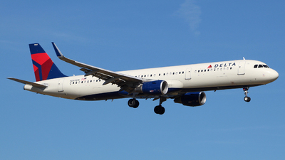 A picture of N363DN - Airbus A321211 - Delta Air Lines - © wangruoyao