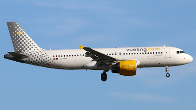 EC-MBE - Airbus A320-214 - Vueling