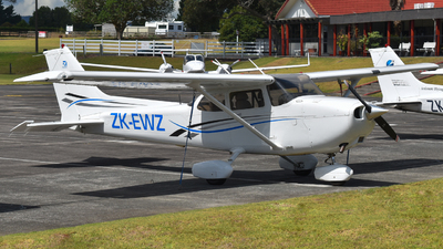 ZK-EWZ - Cessna 172S Skyhawk SP - Ardmore Flying School
