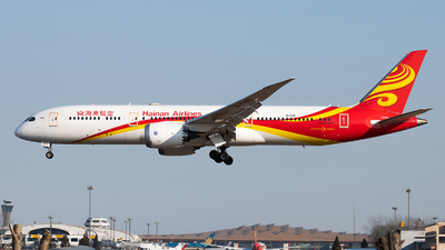 A picture of B1345 - Boeing 7879 Dreamliner - Hainan Airlines - © Lazy Clutch