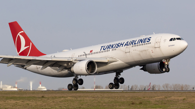 A picture of TCJNA - Airbus A330203 - Turkish Airlines - © Gilles ASTRE
