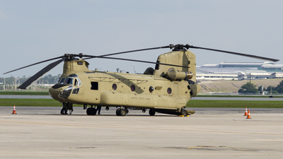 08-08754 - Boeing CH-47F Chinook - United States - US Army
