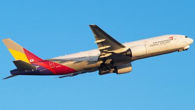 A picture of HL7791 - Boeing 77728E(ER) - Asiana Airlines - © Furkan Borakazi