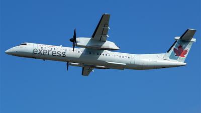 A picture of CGGNZ - De Havilland Canada Dash 8400 - Air Canada - © RZ