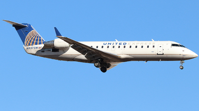 A picture of N937SW - Bombardier CRJ200ER - United Airlines - © Nate Morin