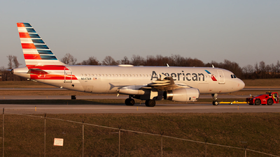 A picture of N647AW - Airbus A320232 - American Airlines - © steve