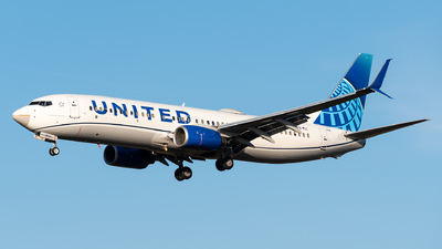 A picture of N76529 - Boeing 737824 - United Airlines - © Evan Dougherty