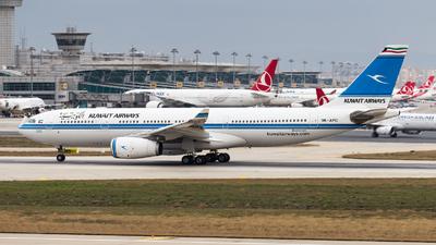 9K-APC - Airbus A330-243 - Kuwait Airways