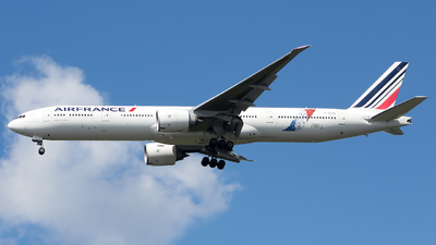 A picture of FGSQI - Boeing 777328(ER) - Air France - © Xiamen Air 849 Heavy