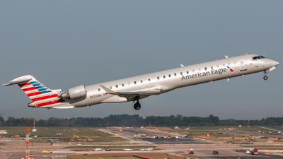 A picture of N552NN - Mitsubishi CRJ900LR - American Airlines - © Sam Paley