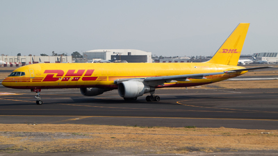 A picture of HP2010DAE - Boeing 75727A(PCF) - DHL - © Miguel Fiesco (MAS Aviation Press)