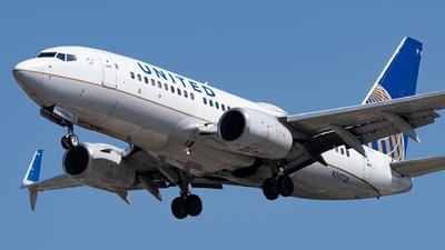 N39728 - Boeing 737-724 - United Airlines