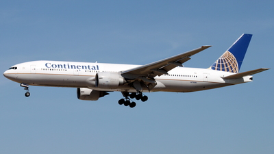 N77006 - Boeing 777-224(ER) - Continental Airlines