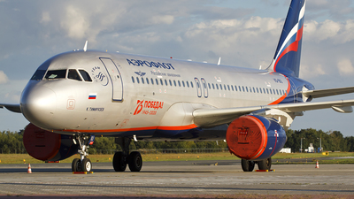 VQ-BIU - Airbus A320-214 - Aeroflot