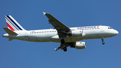 A picture of FHBNE - Airbus A320214 - Air France - © Kurt Greul