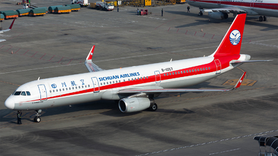 A picture of B1057 - Airbus A321231 - Sichuan Airlines - © Marcus Yu
