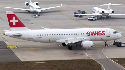 HB-IJD - Airbus A320-214 - Swiss