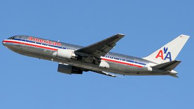 N321AA - Boeing 767-223(ER) - American Airlines