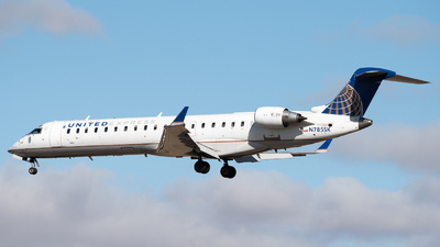 A picture of N785SK - Mitsubishi CRJ701ER - United Airlines - © Michael Place