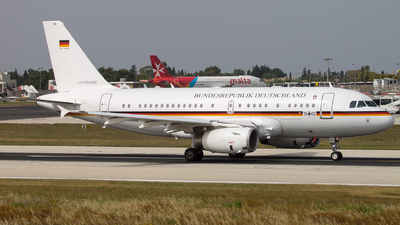 15-02 - Airbus A319-133X(CJ) - Germany - Air Force