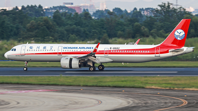A picture of B8682 - Airbus A321271N - Sichuan Airlines - © LiuHanyu