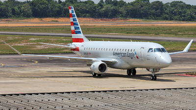 A picture of N284JN - Embraer E175LR - American Airlines - © Wiliam Braun