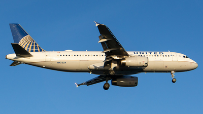 A picture of N472UA - Airbus A320232 - United Airlines - © ne.planespotter
