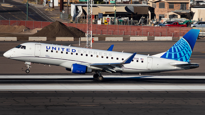 A picture of N615UX - Embraer E175LL - United Airlines - © Alexander Owen