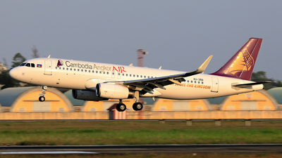 A picture of XU356 - Airbus A320232 - Cambodia Angkor Air - © photogiap