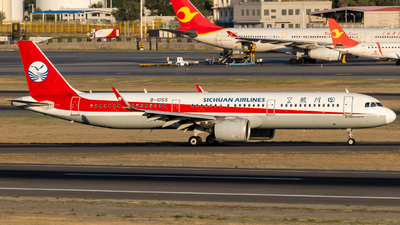 A picture of B1055 - Airbus A321271N - Sichuan Airlines - © TSIDIW006