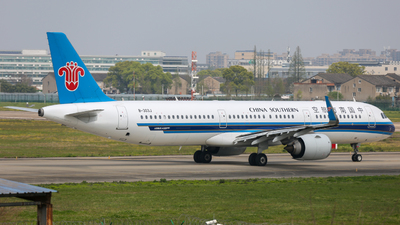 A picture of B303J - Airbus A321253N - China Southern Airlines - © TommyNGB