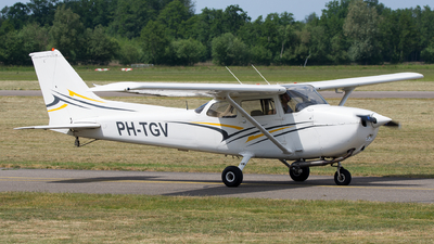 PH-TGV - Reims-Cessna F172N Skyhawk II - Private