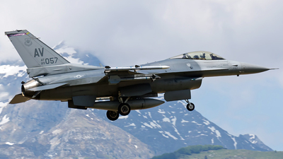 89-2057 - General Dynamics F-16C Fighting Falcon - United States - US Air Force (USAF)