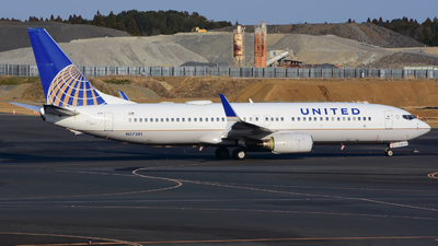 A picture of N37281 - Boeing 737824 - United Airlines - © samuelau