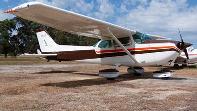 VH-LKP - Cessna 172M Skyhawk - Private