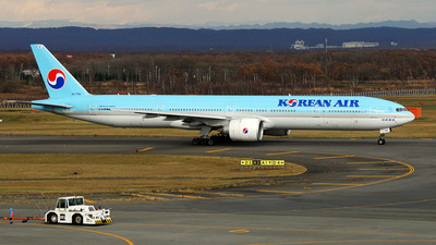 HL7784 - Boeing 777-3B5ER - Korean Air