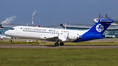 B-605T - COMAC ARJ21-700 - Jiangxi Airlines