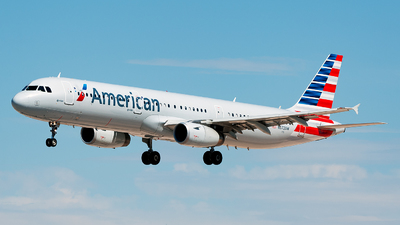 N572UW - Airbus A321-231 - American Airlines
